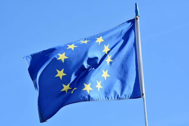المتحدث الرسمي باسم الحكومة الفلسطينية ينفي تهديد الاتحاد الأوروبي بوقف مساعداته للسلطة