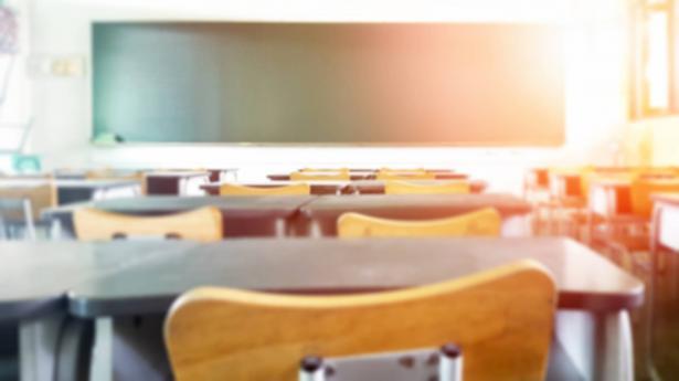 الحكومة تصادق على توصية وزارة الصحة باغلاق المدارس ابتداء من غدا الخميس