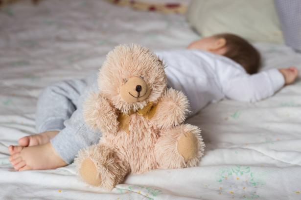 أسبوع النوم الآمن للأطفال: أهم التوصيات للمحافظة على حياة وسلامة أطفالنا