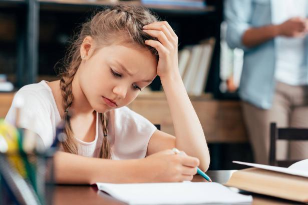 الاكتئاب لدى الأطفال.. كيف نتعرّف على علامات ظهوره ونتعامل معه؟