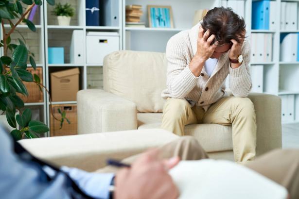 جلسات العلاج النفسي عن بعد: هل هي ناجعة؟ ماذا يفضل المتعالج؟