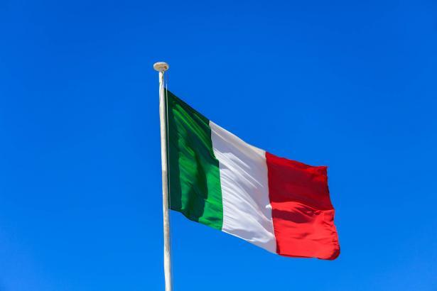 ايطاليا تواجه كورونا مجددا وارتفاع الإصابات والوفيات