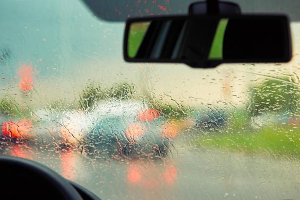 في أسبوع الحذر على الطرق والمطر الأول: أبرز النصائح والتحذيرات