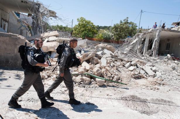 الجيش الاسرائيلي: إصابة جنديين خلال مداهمة للجش في مخيم بلاطة في نابلس