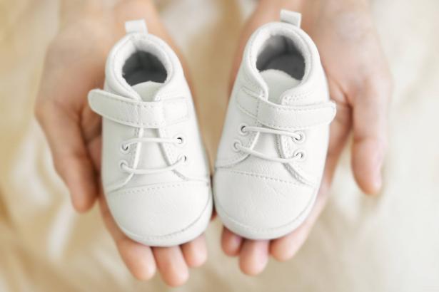 حذاء الطفل الأول: مميزات وصفات من المفضل اخذها بالحسبان عند اختيار حذاء الأطفال