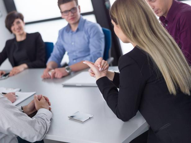 في العمل والحياة: كيف تتعامل مع الأشخاص التنافسيين بشكل مبالغ فيه؟