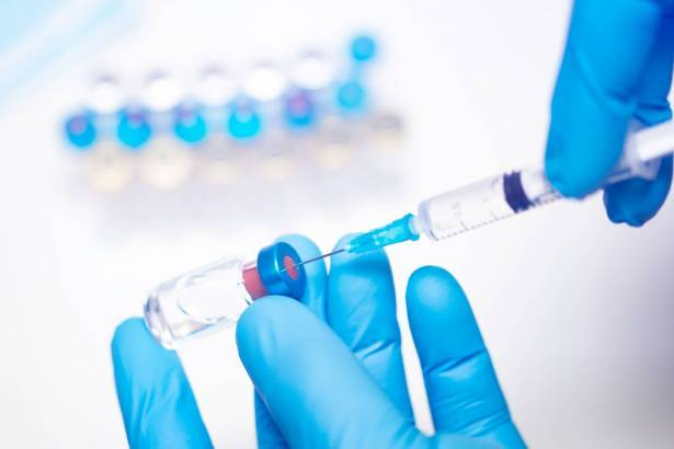 قرابة نصف الجمهور يخافون من التطعيم ضد فيروس كورونا