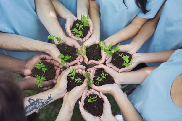 يوم التطوع العالمي: بيان نداف تشارك تجربتها الشخصية مع التطوع
