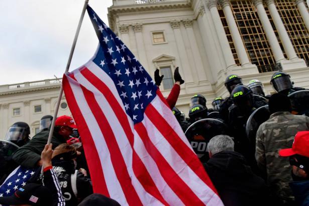الخشية من أن تصاعد أعمال الشغب والعنف في واشنطن