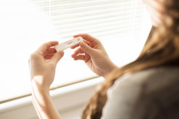 تصويب المعلومات الخاطئة التي تتناقلها النساء حول الحمل للمرة الأولى
