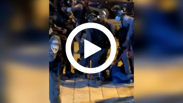 مواجهات بين شبان مقدسيين وقوات الشرطة قرب باب العامود في القدس