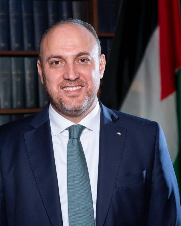 السفير الفلسطيني في لندن حسام زملط : هناك فجوة كبيرة بين القرار السياسي والرأي العام في بريطانيا