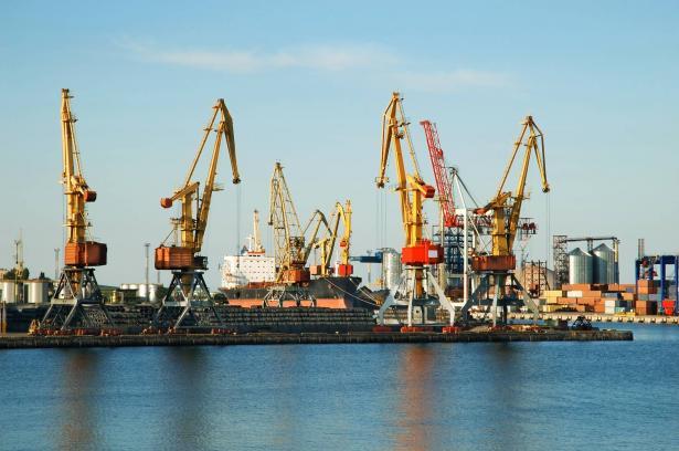 إزدحام المرور في الموانئ البحرية تأثيرها على المصالح العربية في البلاد