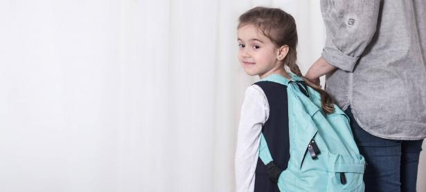 كل ما لديك من أسئلة حول تحضير طفلك للصف الأول!