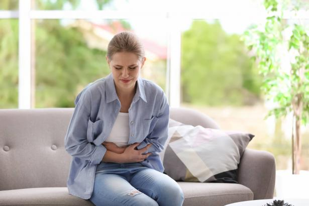 مرض الاندومتريوزيس: أسباب، عوارض وطرق علاج