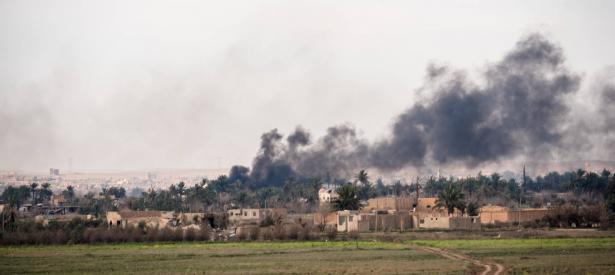 وكالة الأنباء السورية سانا: الدفاعات الجوية السورية تصدت لهجوم اسرائيلي أسفر عن إصابة 4 جنود سوريين