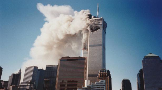 شاب يكشف صورا لم تُشاهد سابقا لهجمات 11 سبتمبر عثر عليها في ألبوم عائلي!