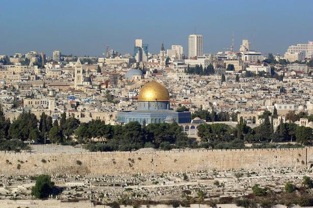 ما هي الاجواء في القدس عشية الفصح للطوائف الشرقية؟د حنا عيسى يتحدث للشمس