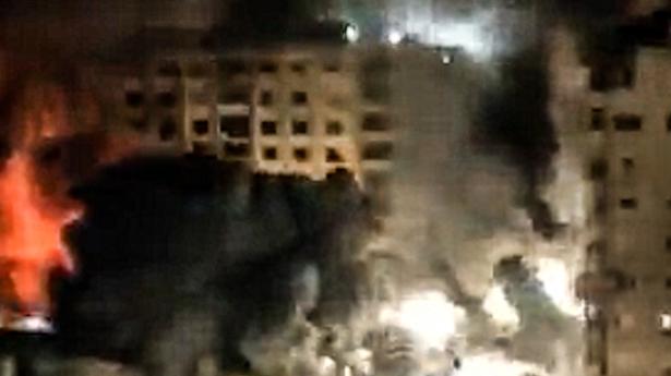 كيف تم إنزال برج الجوهرة في غزة: شاهد من المكان يشارك التفاصيل!