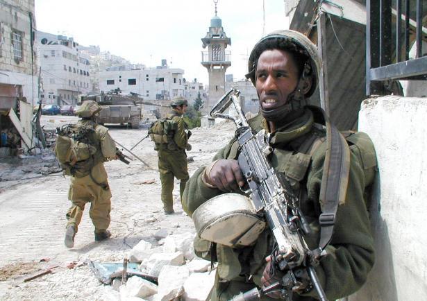 مواجهات مع القوات الاسرائيلية في الضفة: شهيدان وعشرات الإصابات بالرصاص الحي