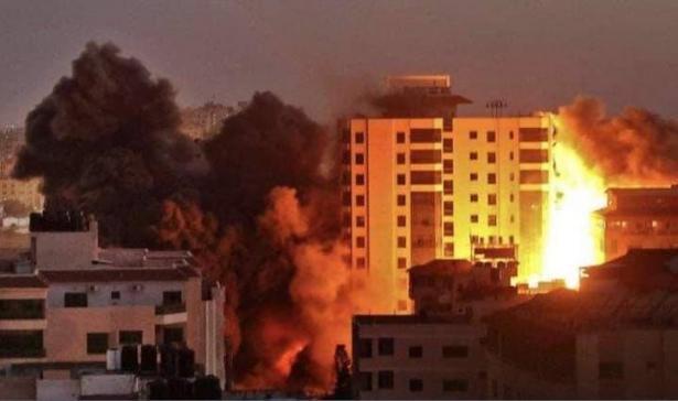 كتائب القسام تهدد بإعادة قصف تل أبيب