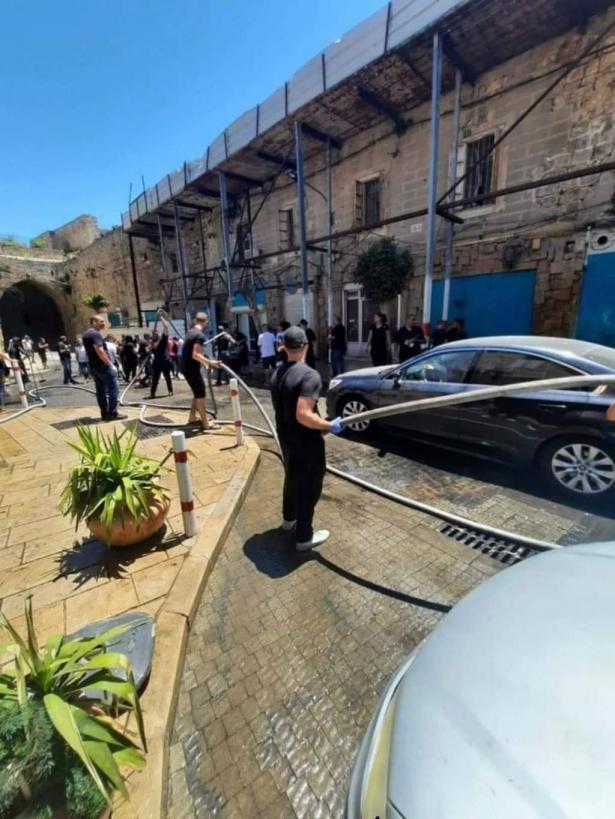 بعد الأحداث الأخيرة: أهالي عكا عربا ويهودًا في حملة تنظيف للمدينة