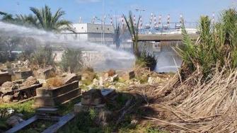 حيفا: اندلاع حريق كبير في مقبرة الاستقلال