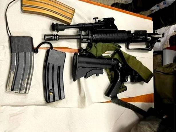 اتهام 16 شابًا من الطيبة بتجارة السلاح والذخيرة