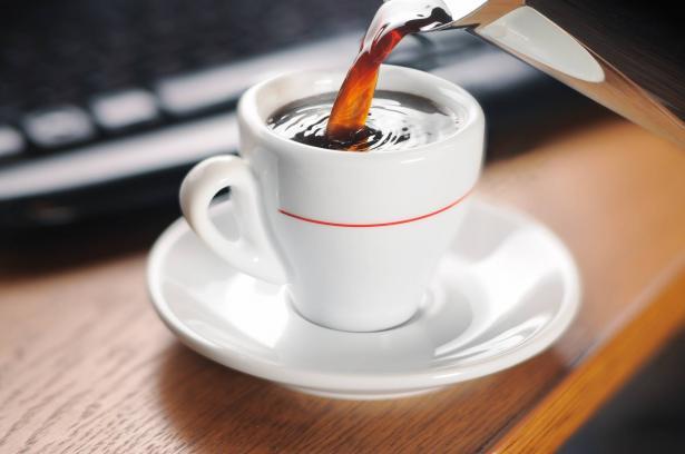 لماذا يجب التقليل من شرب القهوة في فصل الصيف والأيّام الحارة؟