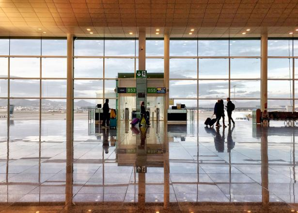 اليونان وبلغاريا والإمارات العربية المتحدة دول جديدة ستدخل في قائمة الدول المحظورة من الطيران في البلاد