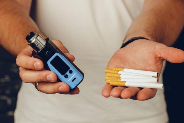 السيجارة الالكترونية: هل هي أقل ضررًا؟