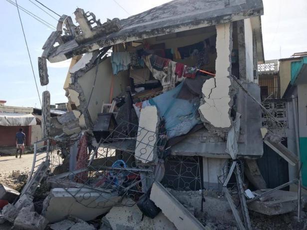 دائرة الحماية المدنية: 724 قتيلًا واكثر من 2800 اصابة في زلزال هاييتي