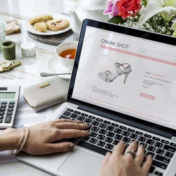 أمازون يتفوق على أكبر سلسلة حوانيت في الولايات المتحدة والإقبال على التسوق الالكتروني في ارتفاع..