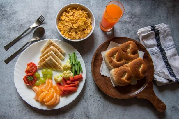 أخطاء في وجبة الإفطار عليك ان تتجنبها لانها تتسبب بزيادة الوزن