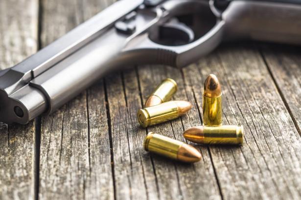 مسدس يُباع بـ6 ملايين دولار.. والسبب: استُخدم لقتل أحد  أشهر المجرمين بأمريكا قبل 140 عامًا..