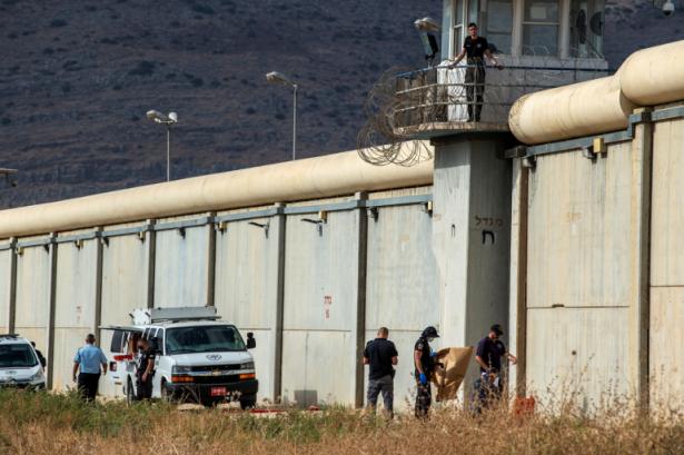 الاعلان عن بدء اضراب الاسرى من يوم الجمعة والمفاوضات بين الاسرى وسلطة السجون قائمة