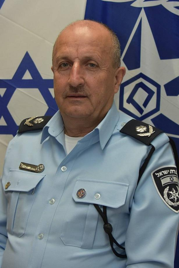 اللواء جمال حكروش للشمس: إطلاق النار على بيتي لا علاقة له بملف الأسرى!