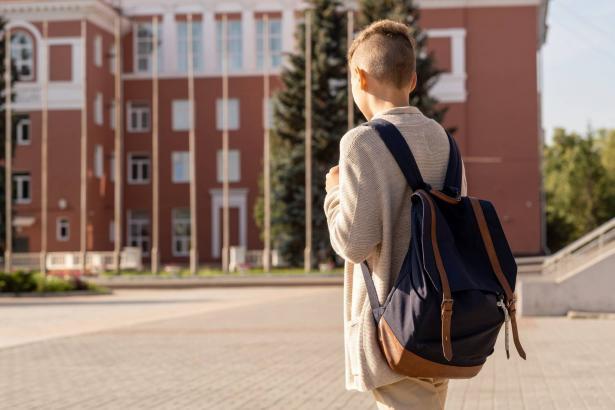 هل كان قرار العودة الى المدارس صائبًا؟