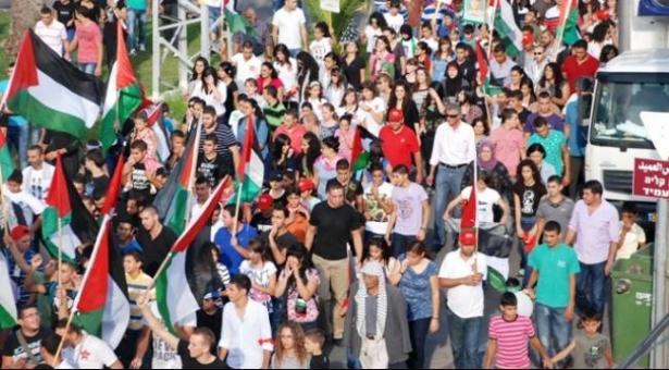 ما هو التأثير الاقتصادي لهبة أكتوبر والأحداث السياسية على المجتمع العربي؟