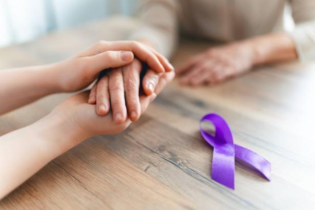 كيف يفيد التطوع مرضى السرطان؟